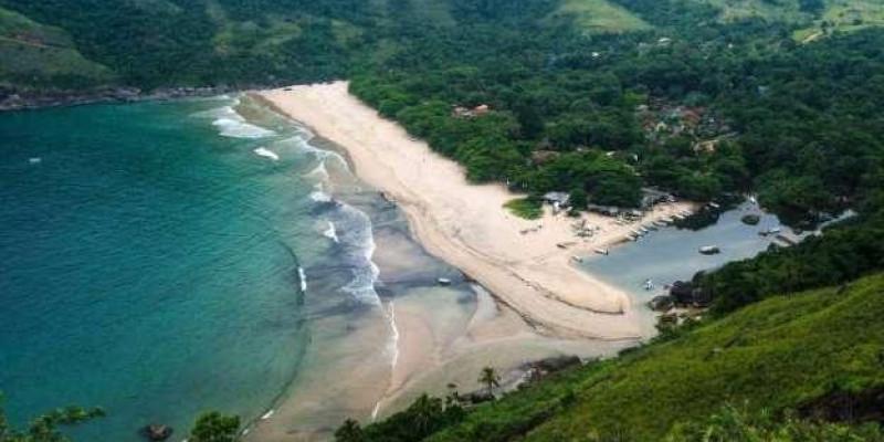Praias brasileiras que parecem piscinas