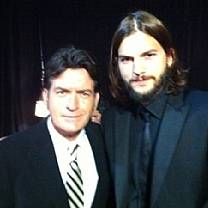 Charlie Sheen ameaça Ashton Kutcher: 'Tome cuidado'.