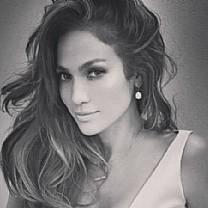 Solteira, Jennifer Lopez garante: 'O homem certo está lá fora em algum lugar'