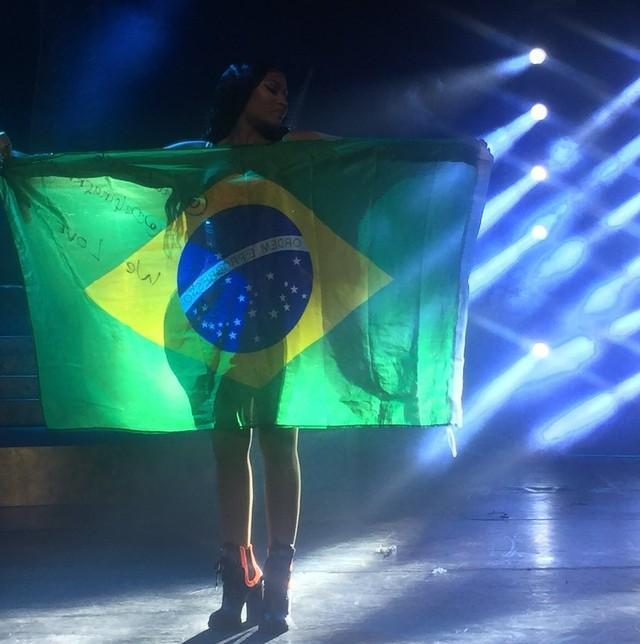 Nicki Minaj faz boa estreia no Brasil e comanda