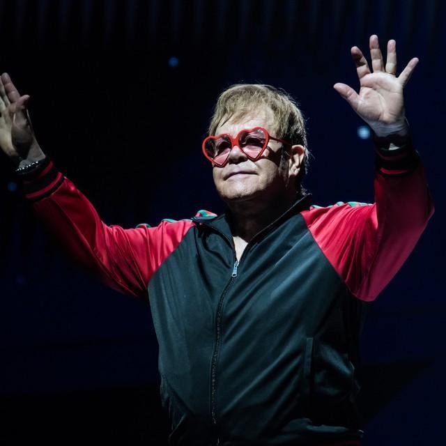 Elton John inicia shows de 'Farewell Yellow Brick Road', que marca sua despedida de turnês
