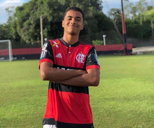 Atletas da base do Flamengo morrem em incêndio no CT Ninho do Urubu