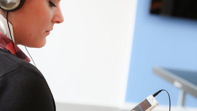 Saiba como ativar o chip de rádio FM no seu smartphone Android