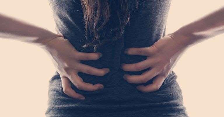 Muita gente está sofrendo com dor nas costas na quarentena: como cuidar e aliviar