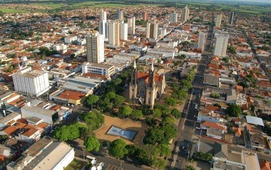 Governo do Estado manda prefeito de Votuporanga revogar decreto que flexibiliza atividades