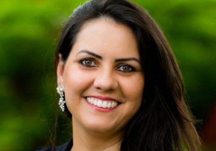 """Professora brasileira está na final do """"Nobel da Educação"""""""