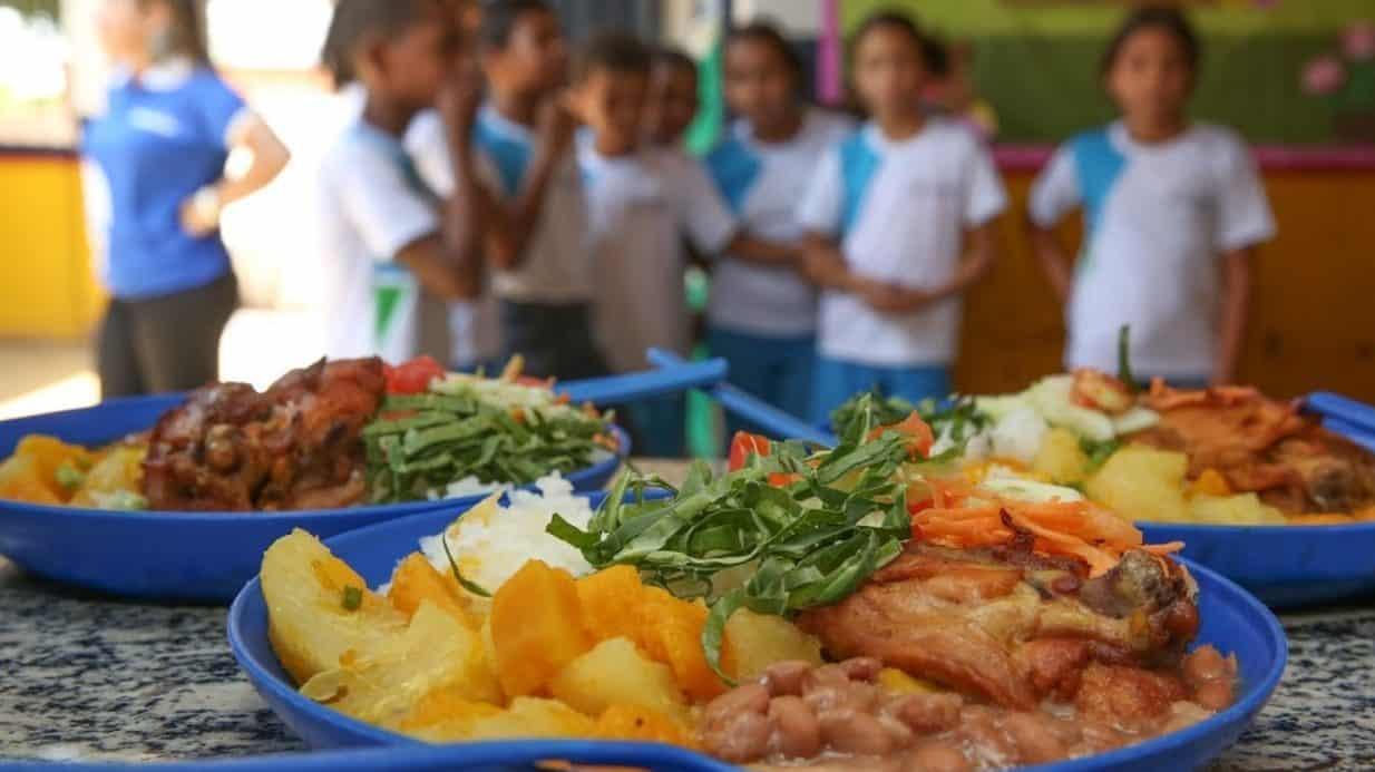Escolas estaduais vão fornecer merenda  a partir de primeiro de fevereiro