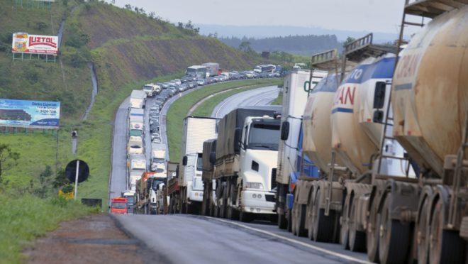 Governo apela para que caminhoneiros não façam greve