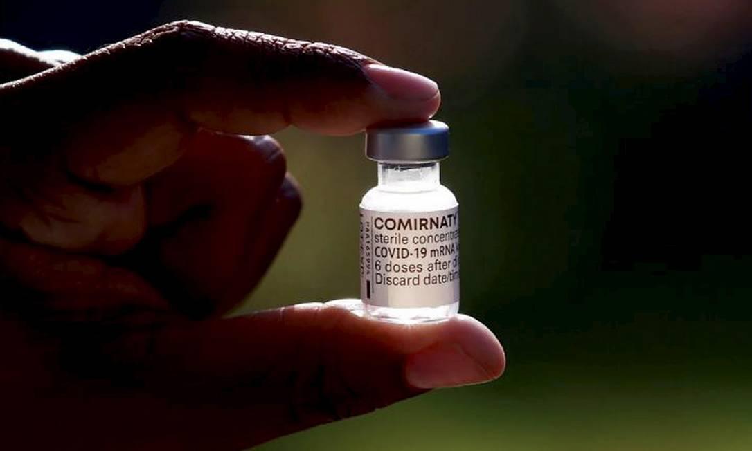 Ministério da Saúde avalia reduzir intervalo entre doses da Pfizer